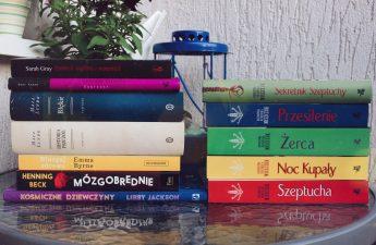 stosik książkowy