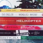 stosik książek na podsumowanie lipca 2018