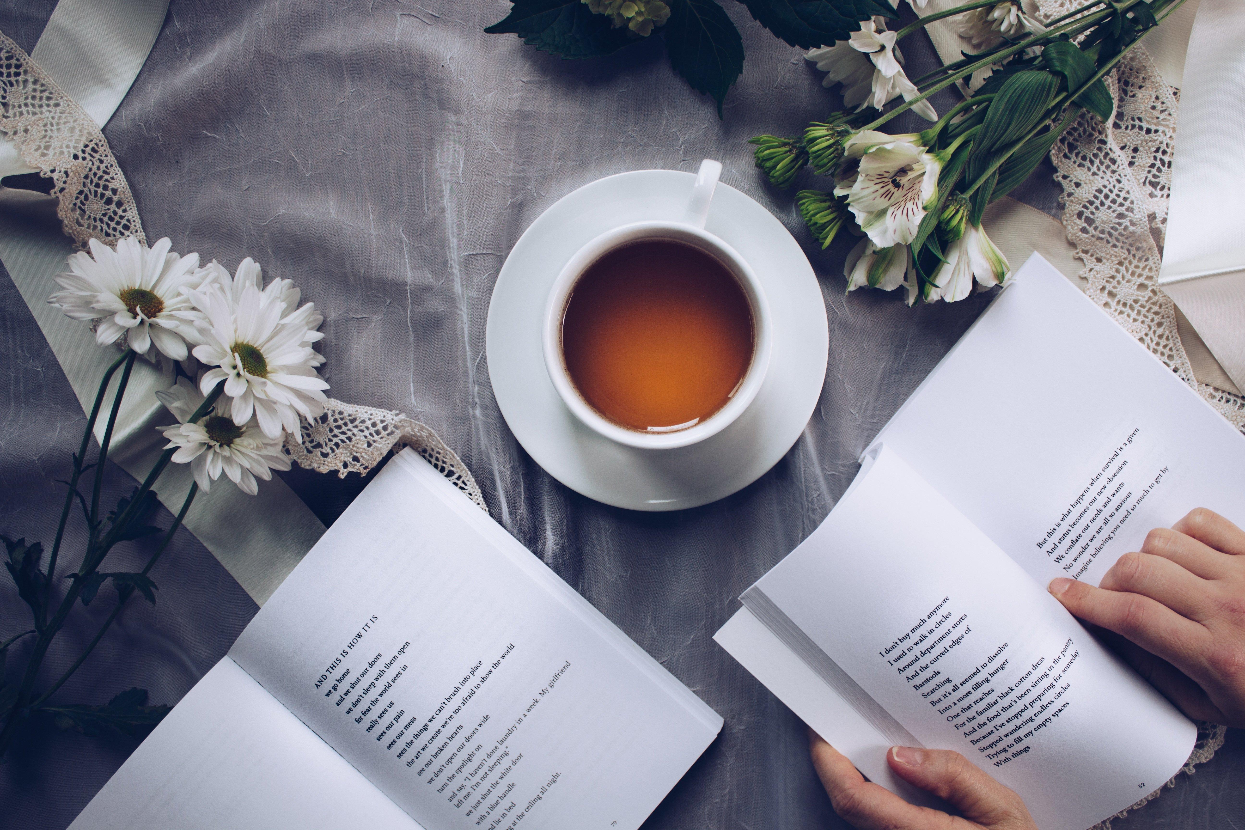 dlaczego tylkoniektórzy lubią poezję